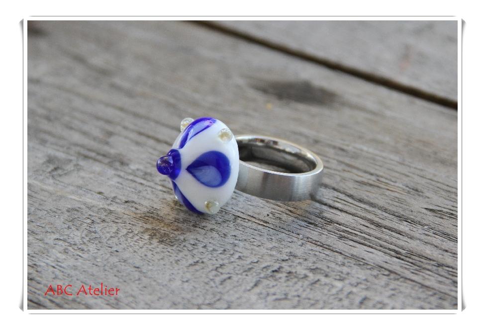 blaues Mandalablümchen